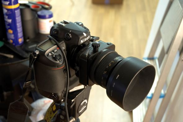 Nikon D2X with 85mm TiltShift Lens