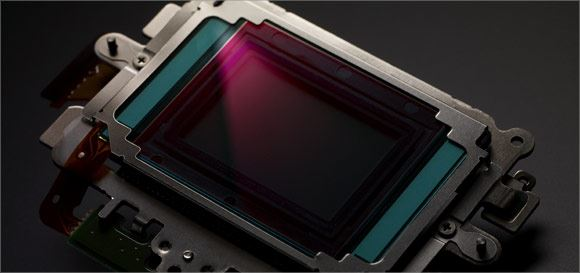 The new 16 megapixel APS-H CMOS sensor