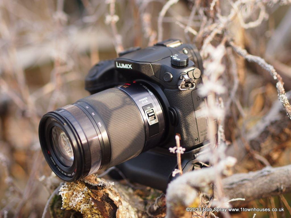 Voyeur With Long Zoom Lens Captures Hot Couple Having