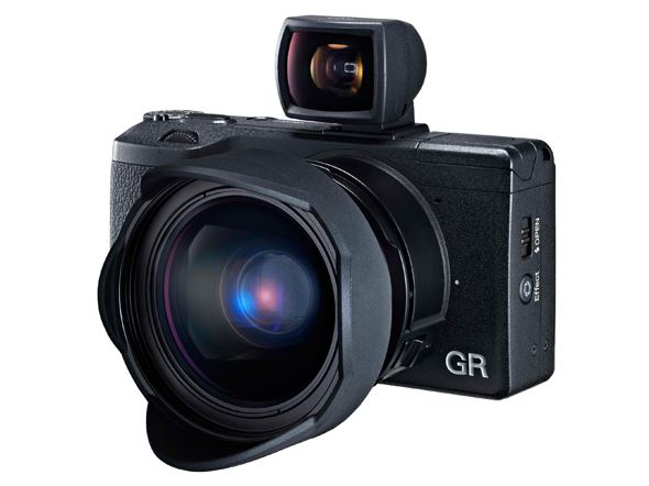 Ricoh GR (viewfinder and conversion lens not included as standard)