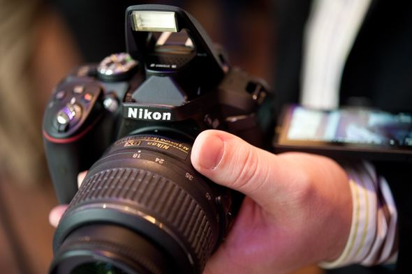 Nikon D5300 hands-on preview - new DSLR with Wi-Fi and GPS