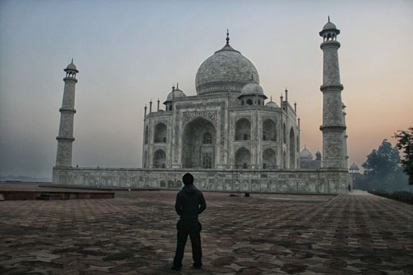 Early morning in front of the Taj Mahal