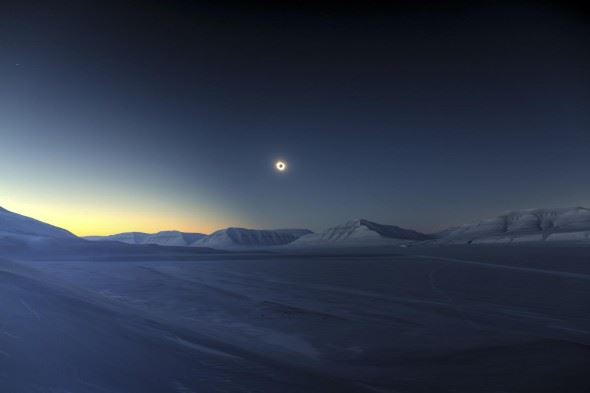 Behind the Image: Luc Jamet, Eclipse Totality over Sassendalen