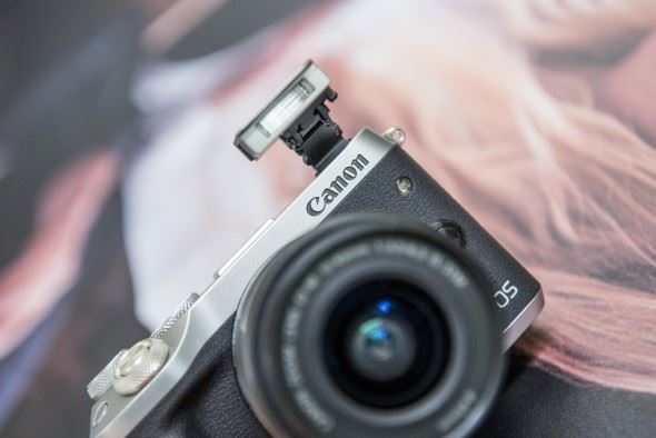 Canon EOS M6 Hands-On First Look