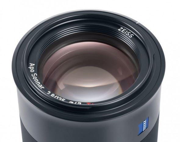 Zeiss's range of lenses for Sony's flagship Alpha 7 system gets a new addition in the form of this portrait-optimised optic