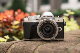 Olympus OM-D E-M10 Mark III Hands-On First Look