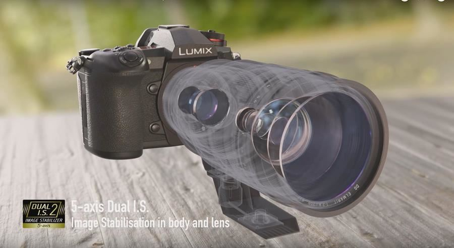 Can't choose between the LUMIX G9 or GH5? Panasonic's CSC heavyweights go head-to-head