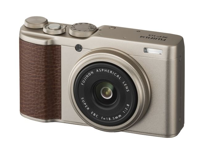 Fujifilm XF10 | A Premium Compact That Won't Break the Bank