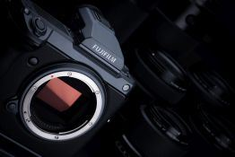 Fujifilm GFX 100 | Medium format behemoth boasts best mirrorless resolution ever
