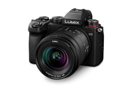 Panasonic Lumix S5 | Cinema-quality video in the lightest body yet