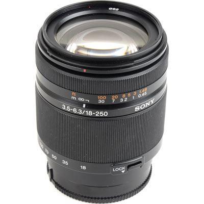 Used Sony 18-250mm f3.5-6.3 DT AF Lens