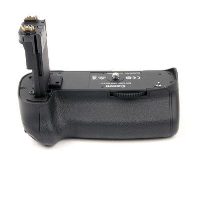 Used Canon BG-E11 Battery Grip