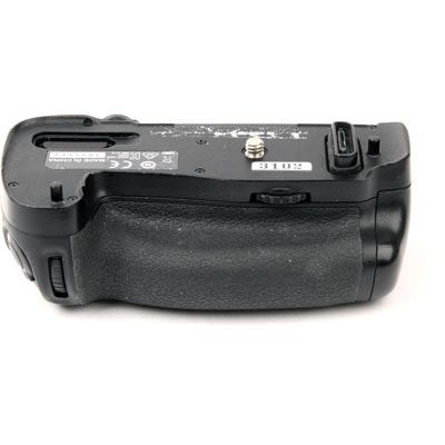 Used Nikon MB-D16 Battery Grip for D750