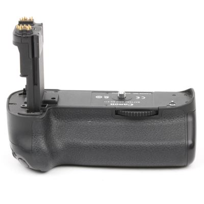 Used Canon BG-E11 Battery Grip for EOS 5DS / 5DR