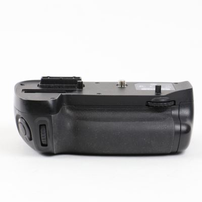 Used Nikon MB-D15 Battery Grip for D7100