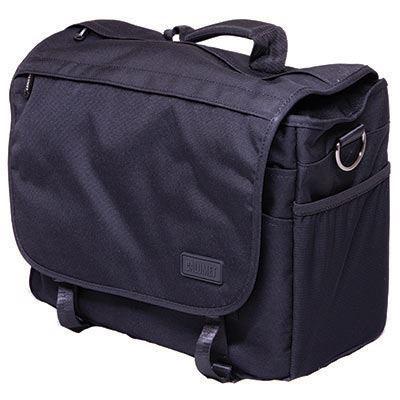 Accessories Calumet Messenger Bag - Medium - Black