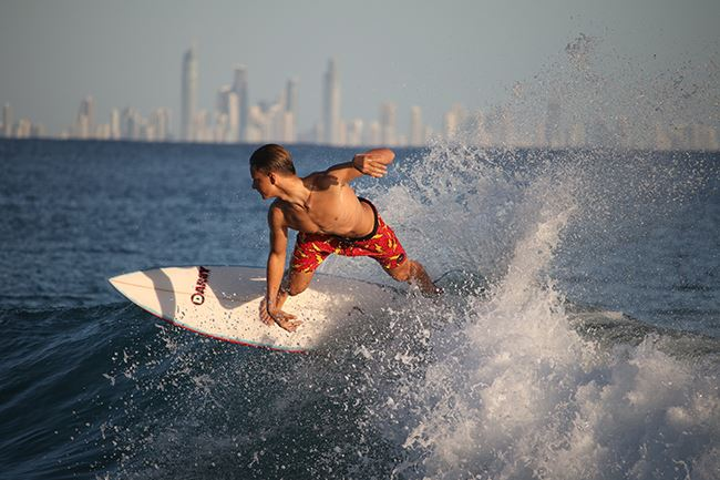 Canon 80D surfer action shot sample image